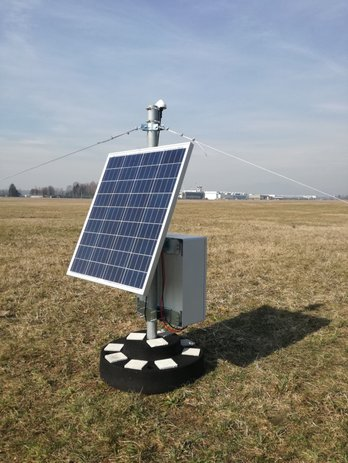 Placemenet of a GNSS station with solar power